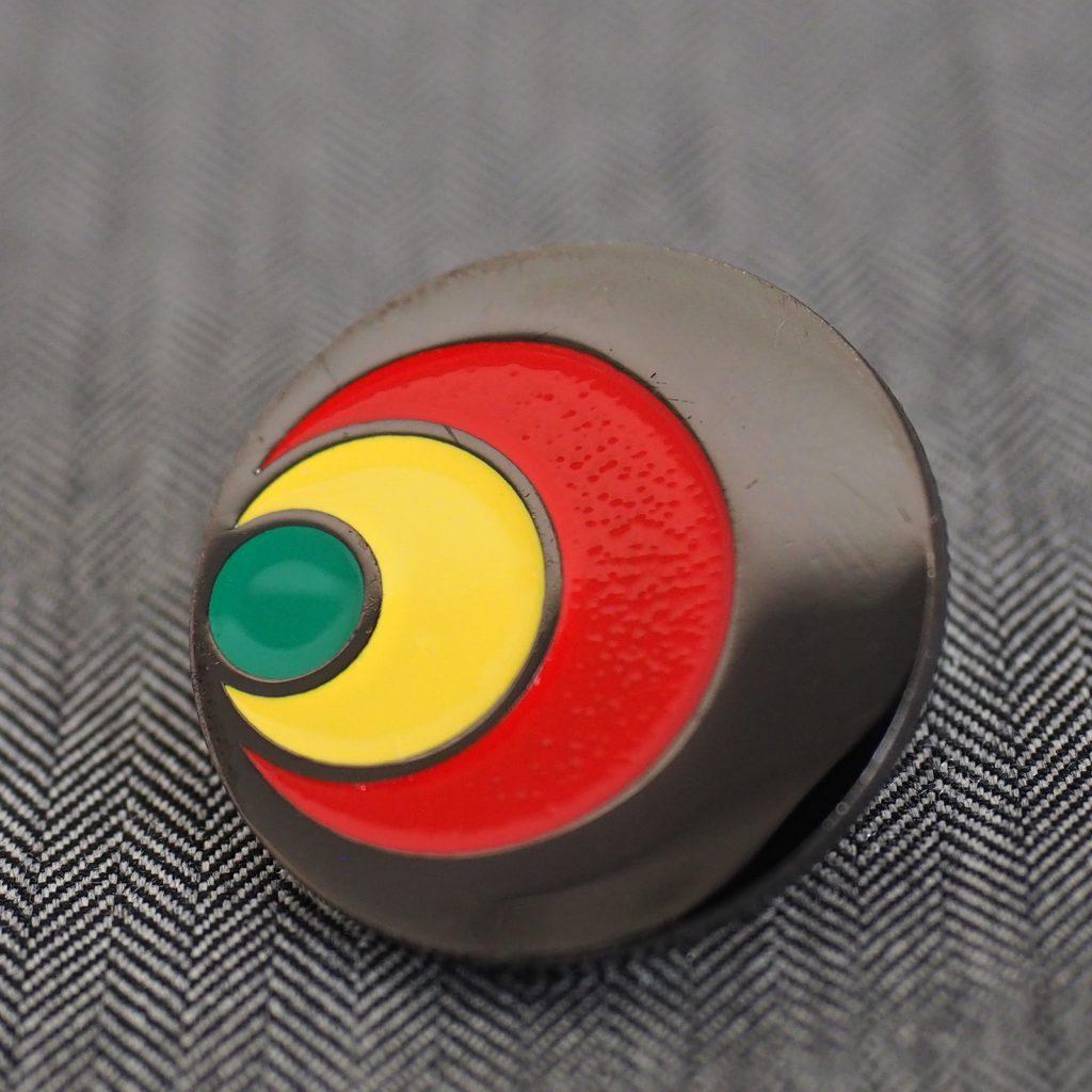 黒メッキ 黒ニッケルメッキ ラッカー着色 ピンバッジ サンプル画像 サンプル制作